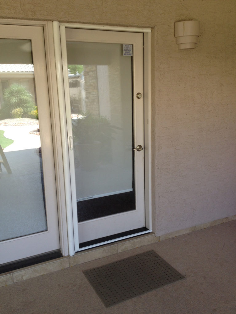 Retractable Screen Doors For Phoenix Az All Seasons